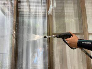 窓の高圧洗浄