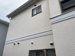 施工前の窓が沢山ある戸建て