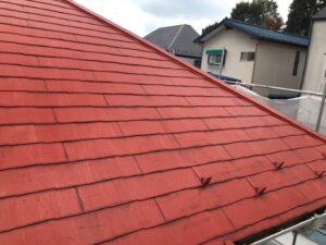 長年放置され汚れた屋根