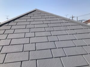 グレー色の屋根