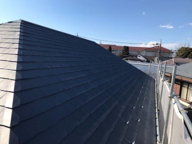 グレーに仕上がったグレーの屋根