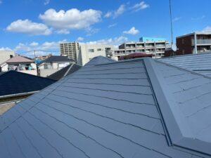施工後のグレーの屋根